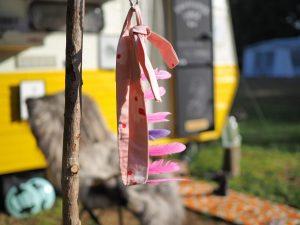 Onze Kinderkamerkunst Caravan op Camping Buitenland